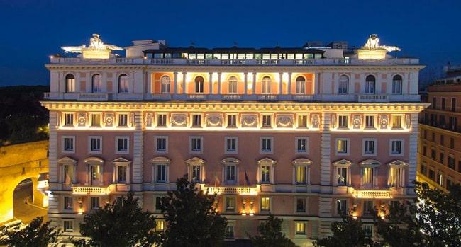 Отель 4 звезды Rome Marriott Grand Hotel Flora на улице Via Veneto