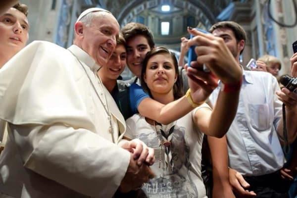 селфи с папой Римским Франциском