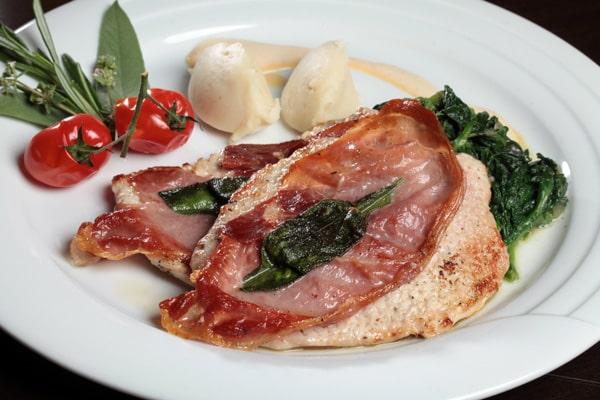 ТОП-10 итальянских блюд - Saltimbocca