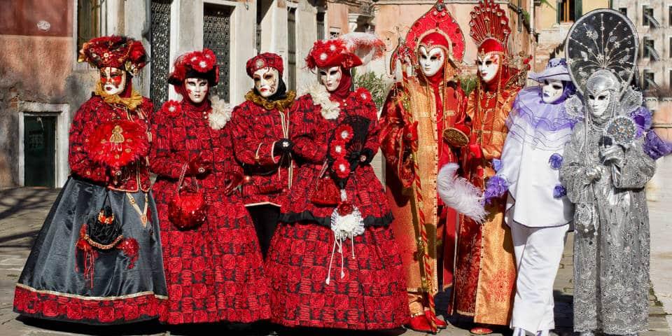 Варианты костюмов на Венецианском карнавале