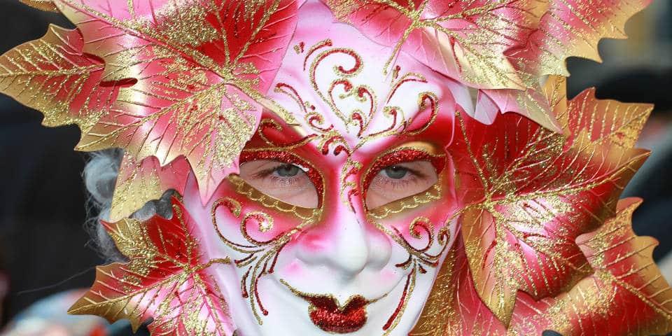Как выбрать маску на карнавал в Венеции