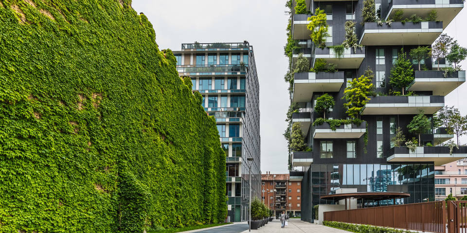 Вертикальные сады в Милане