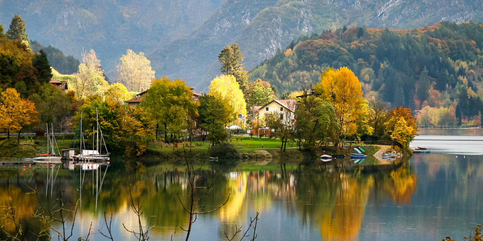 Озеро Гарда осенью