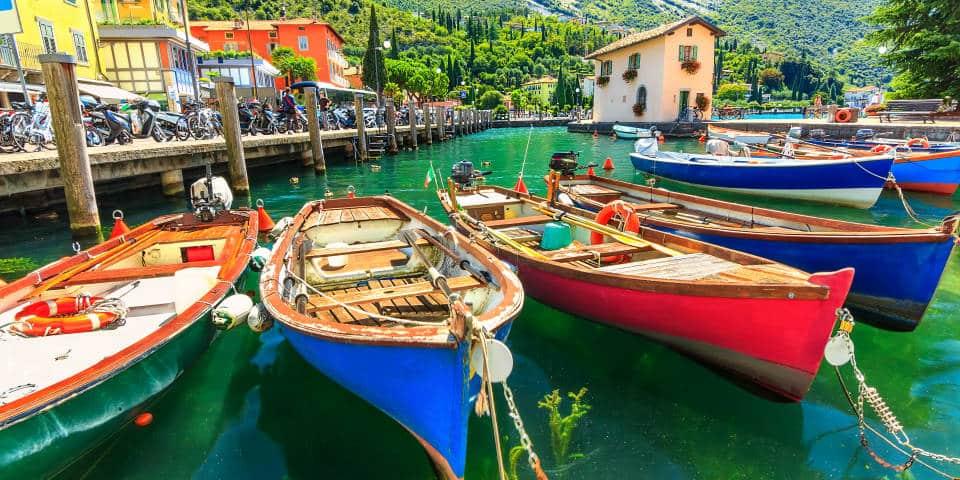 Город Торболе на озере Гарда