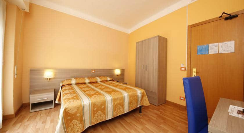 Отель 2 звезды Hotel Calypso в Вентимилья