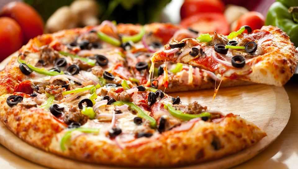 Очень вкусную пиццу готовят в пиццерии Al Cardo