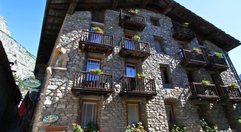 Отель Dolonne