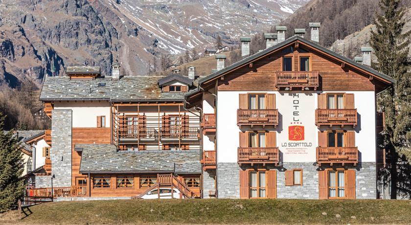 HotelLoScoiattolo 4*