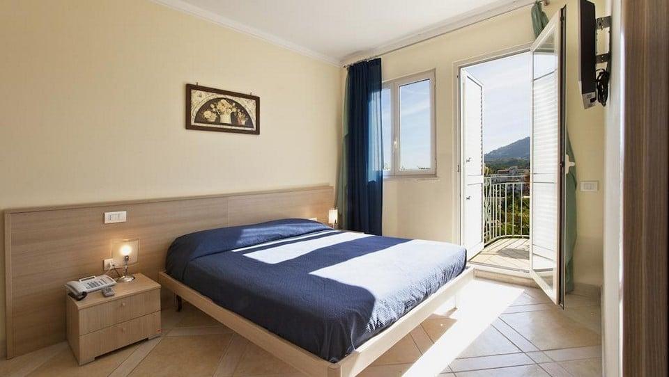 отель Posidonia Residence