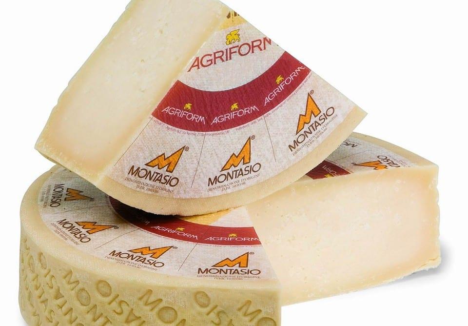 Цена сыра в Италии колеблется от 10 до 17 Евро за 1 кг