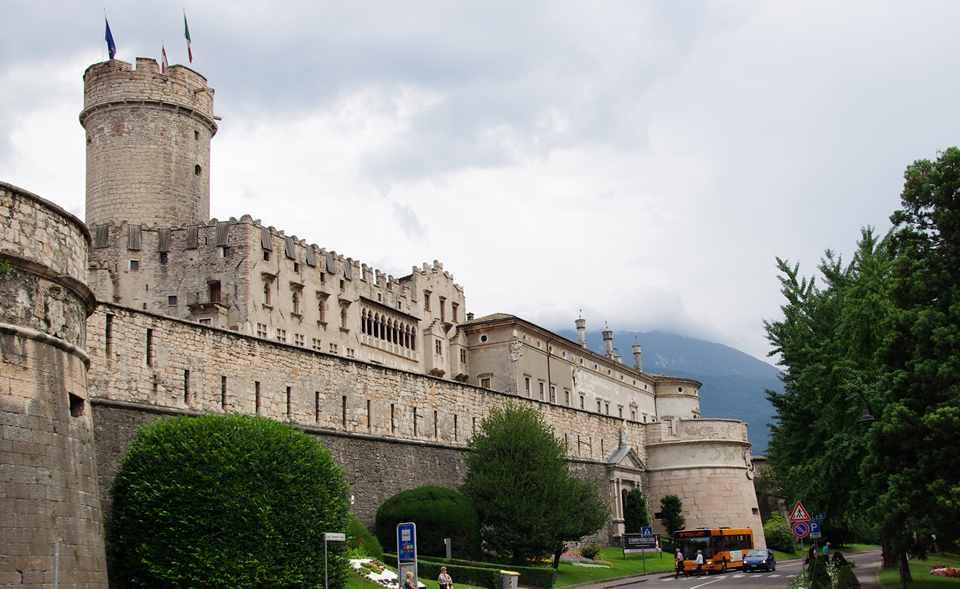 старинный замок Буонконсильо