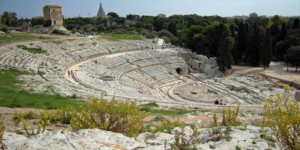 руины Греческого театра