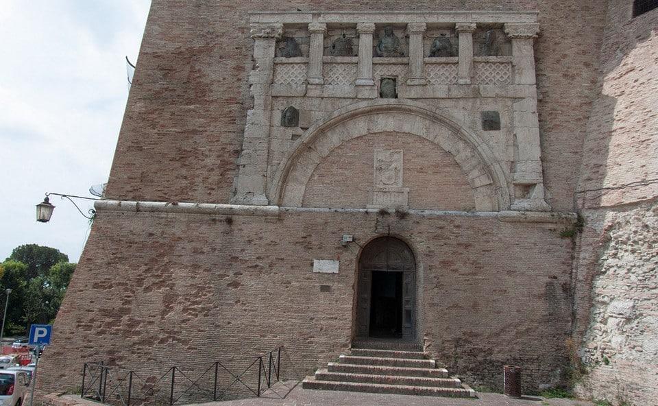 Порта Марция