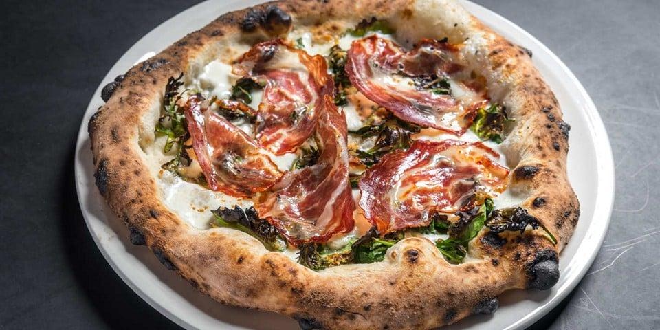 Коппа ди Парма в пицце