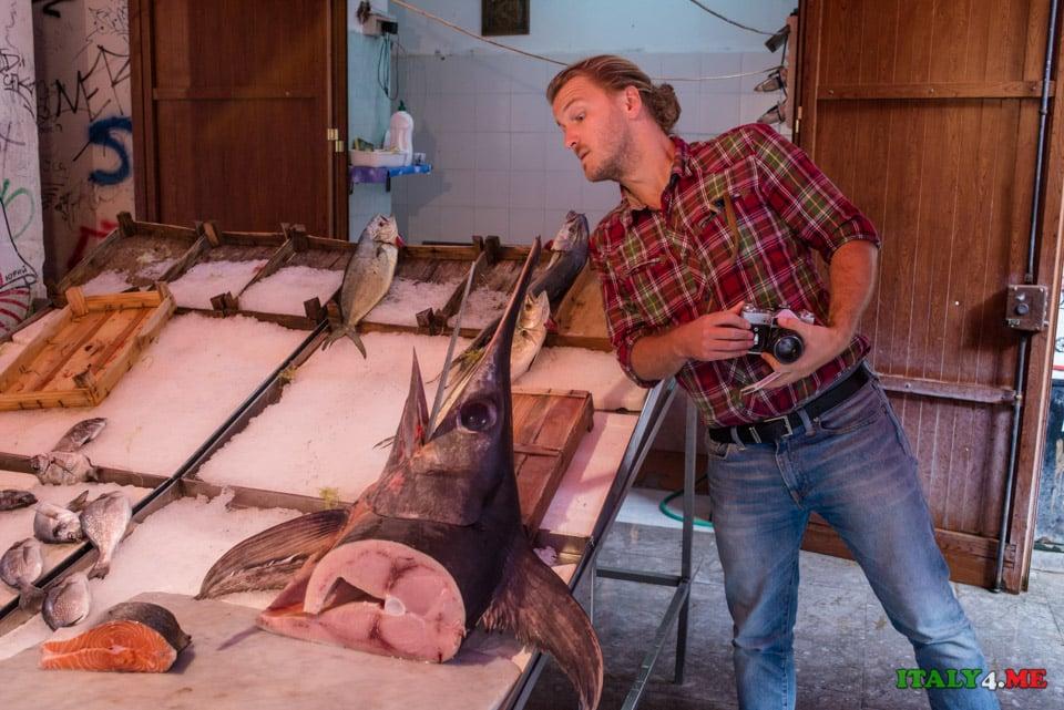 Рыба-меч (spada di pesce) и эксперт итальянской кухни Владимир Новиков