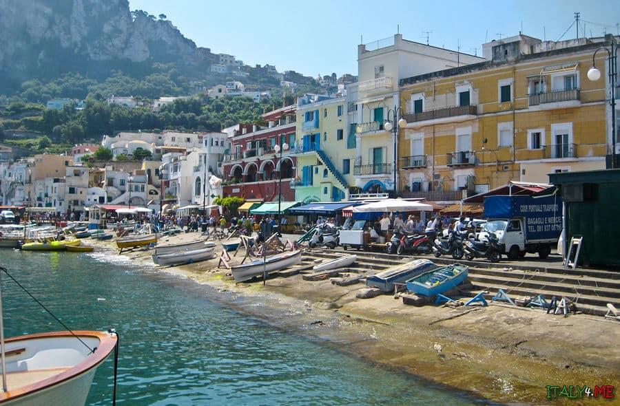 Пляжи на острове Капри - отдых в Италии летом