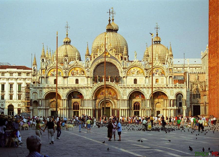 собор Святого Марка в Венеции утром