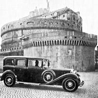 1930 год Мерседес-Бенц Папы Римского у замка Святого Ангела