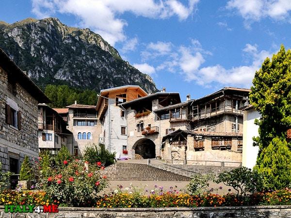 Candelo-poselok-v-Italii-v-predgorii-Alp