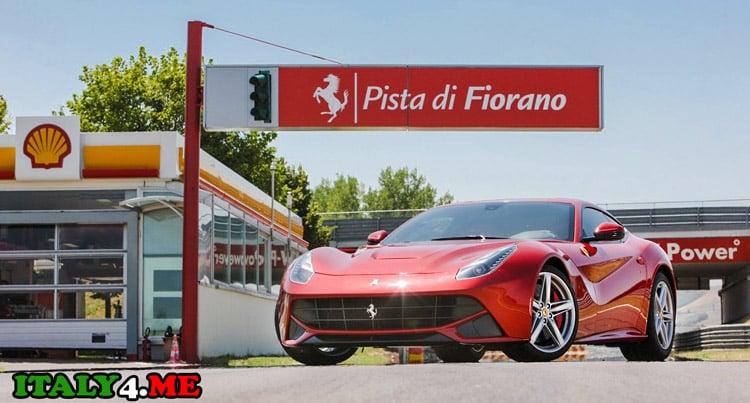 Транспорт в Италии Ferrari F12 Berlinetta