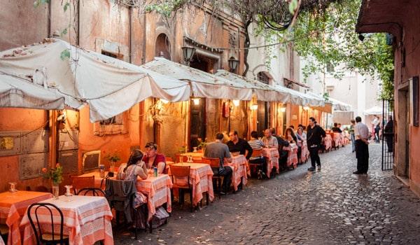 Вечерний Рим район Трастевере