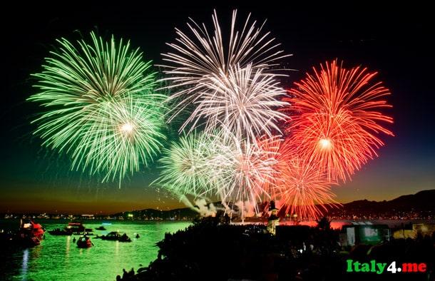 салют Италия новый год