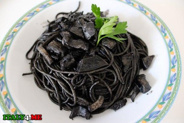Pasta_al_nero_di_seppia_1