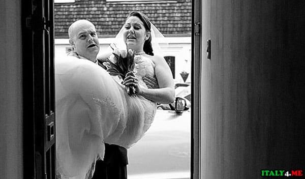 Невесты на руках жениха