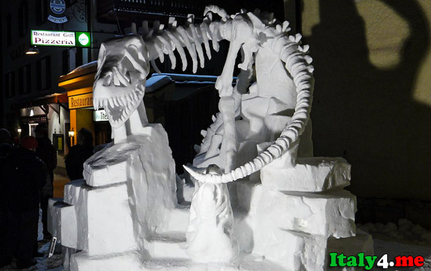 снежная скульптура Италия