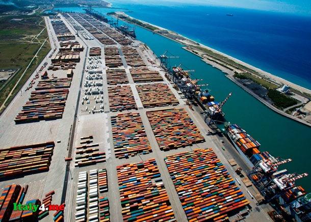 Итальянский порт Джойя Тауро