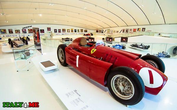 музей Феррари в Модене