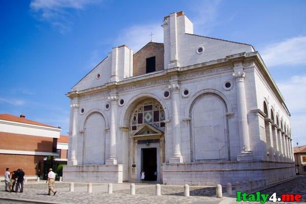 Темпио Малатестиано кафедральный собор Римини