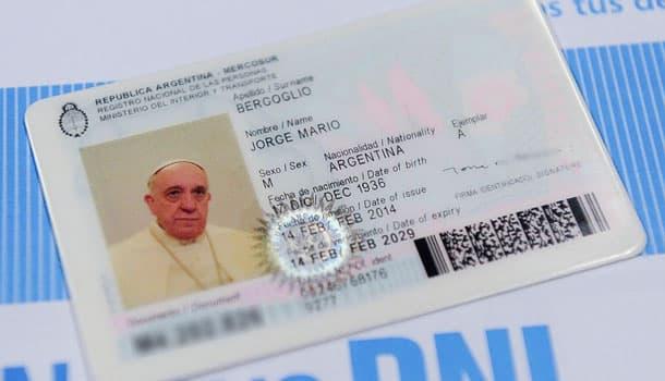 паспорт папы римского