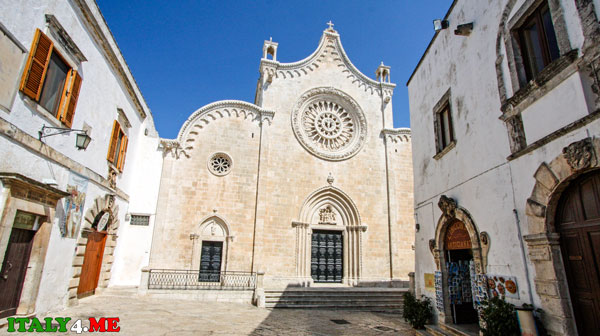 La_Cattedrale_dell_Assunta_Ostuni-1