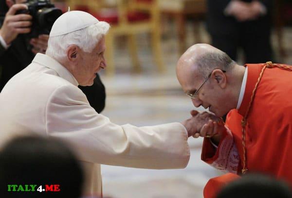 Тарчизио Бертоне и папа римский Бенедикт