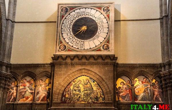 Часы созданные Паоло Уччело в 1443 году. Собор Дуомо Флоренция