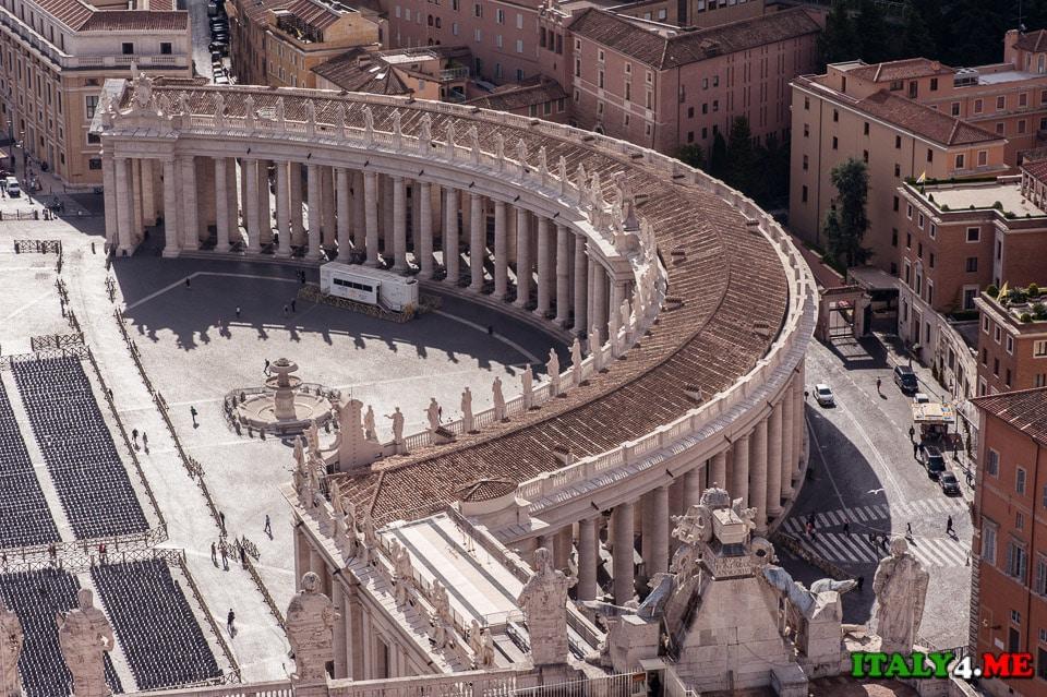 Вид на Ватикан с купола собора святого Петра