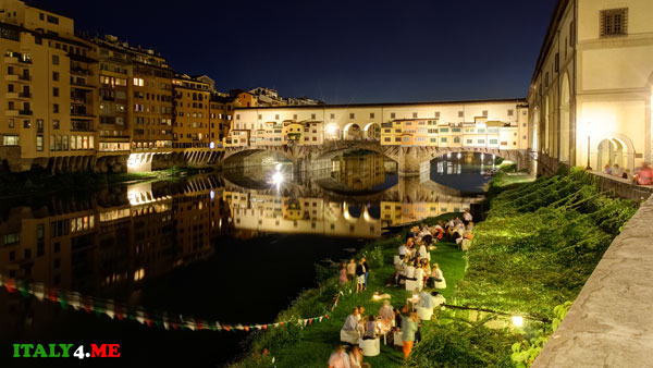 набережная Флоренция вид на мост Понте Веккьо