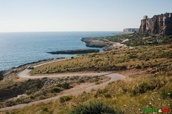 Дорога SS16 к пляжу Сан-Вито-ло-Капо