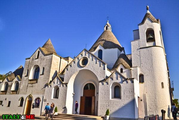 Chiesa-di-Sant-Antonio-Alberobello