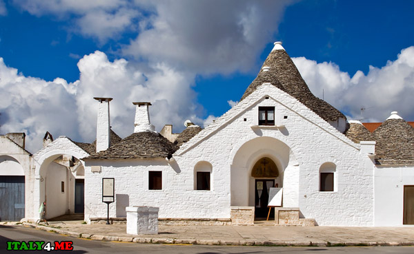 Trullo-Sovrano-Альберобелло музей