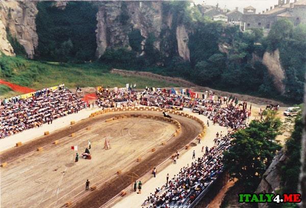 Рыцарский_турнир_в_Италии_Giostra_della_Rocca
