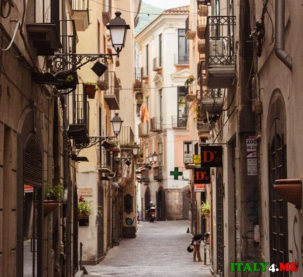 Торговая улица в Салерно