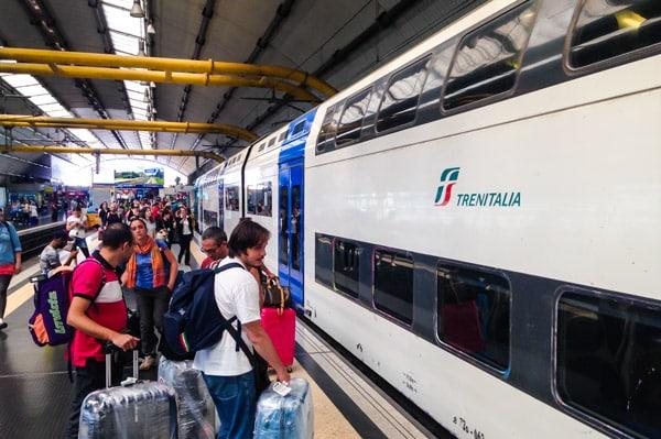 региональный-поезд-аэропорт-Фьюмичино-Рим-платформа-3