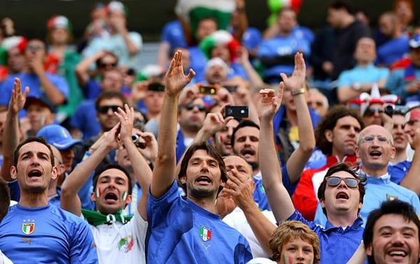 итальянцы фанаты футбола