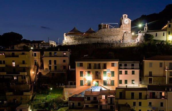 замок Castello di Riomaggiore