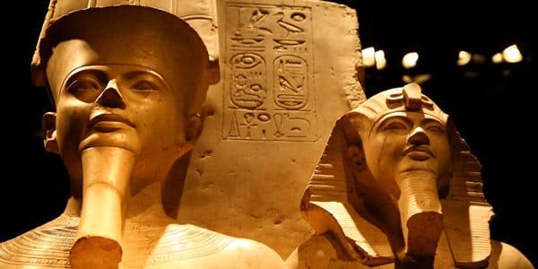 скульптурный зал Египетского музея в Турине фараоны сфинксы