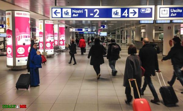 Зона получения багажа аэропорт Чампино