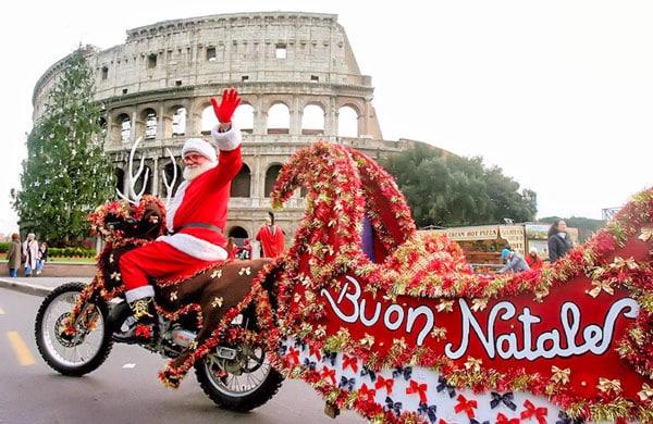 святой Николай на мотоцикле рождество Колизей