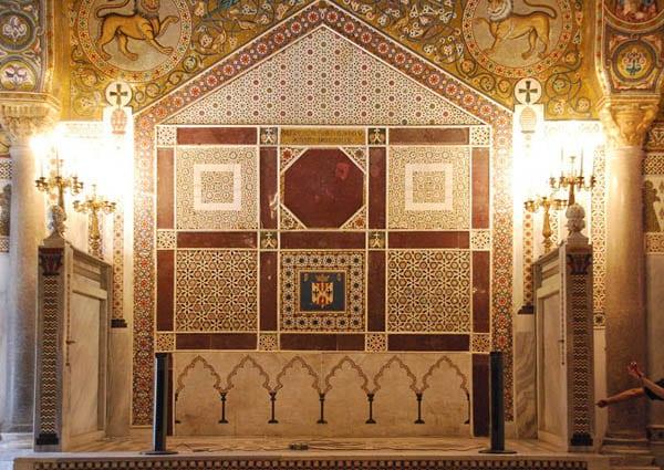 Тронное место в Палатинской капелле